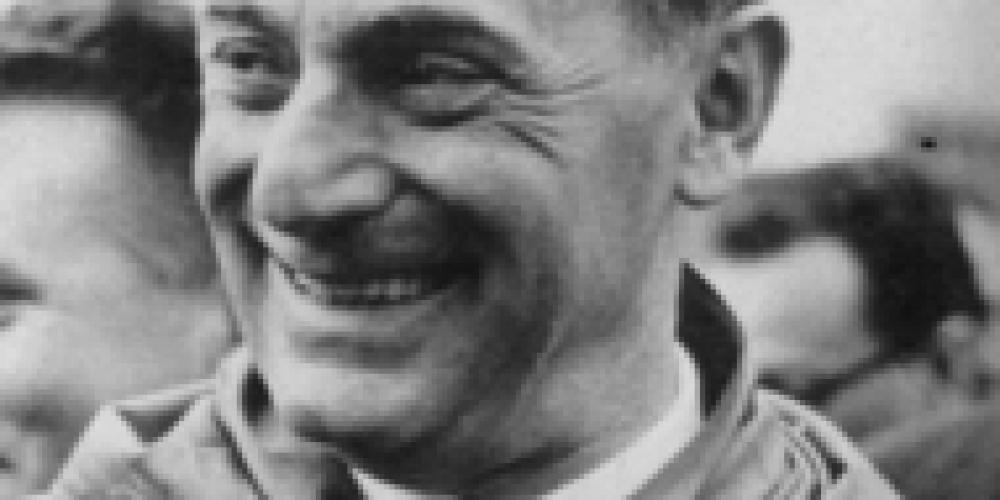 Enrico Mattei. Un uomo scomodo, emblema di un paese scomodo.