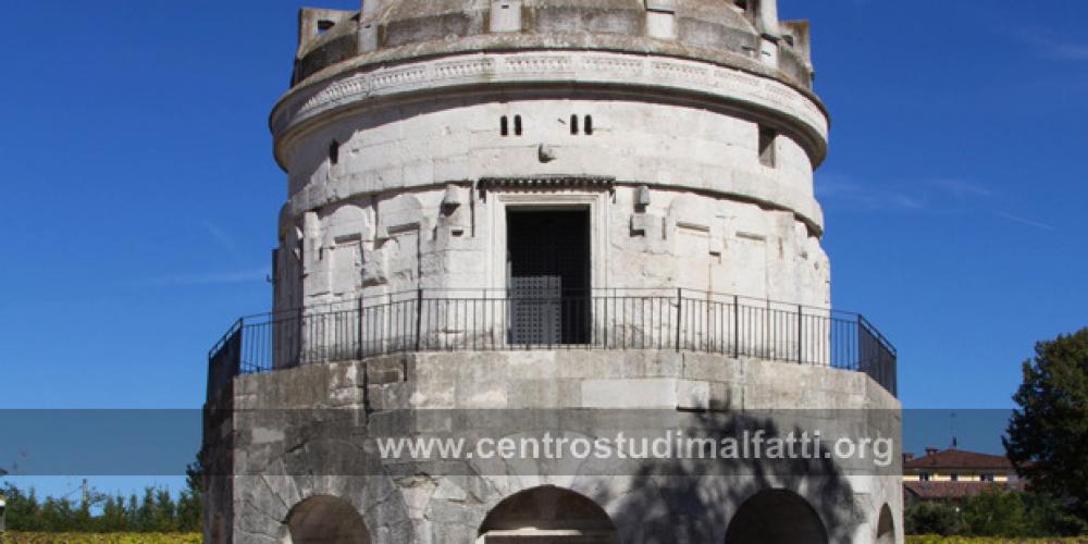 Ravenna. L'accoglienza al Mausoleo di Teodorico.